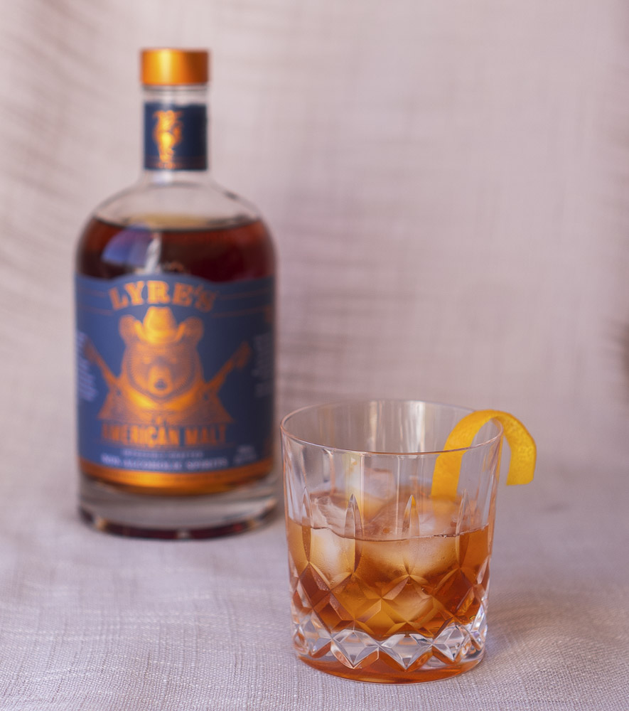old fashioned whisky cocktail make with Lyres American malt